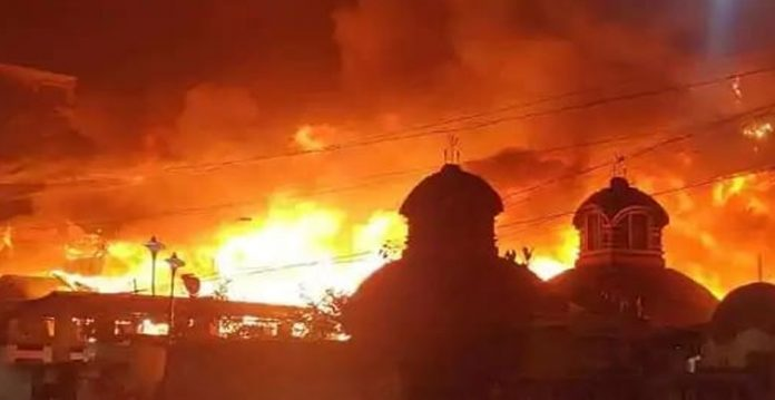 Kolkata's Baghbazar under flames, attempts on to control raging fire