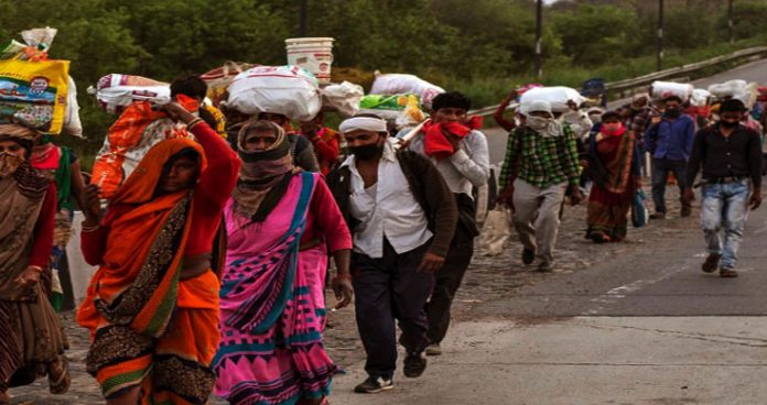 fearing lockdown, the migrant labours continue flocking to home