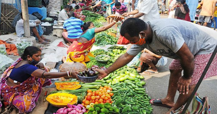 Vegetable prices shoot up again as traders milking profit out of lockdown