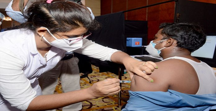 man given double dose of vaccine in up, probe ordered