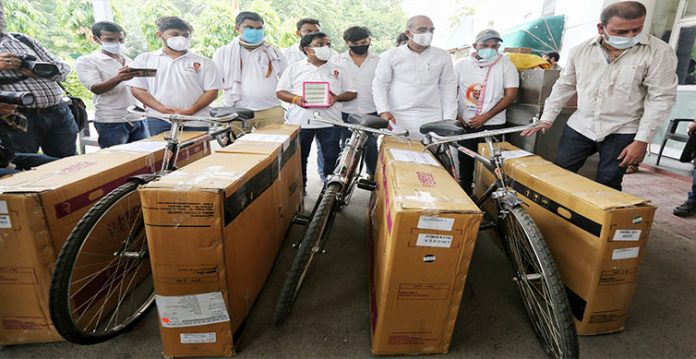 youth congress sends bicycles to modi, shah over fuel price rise