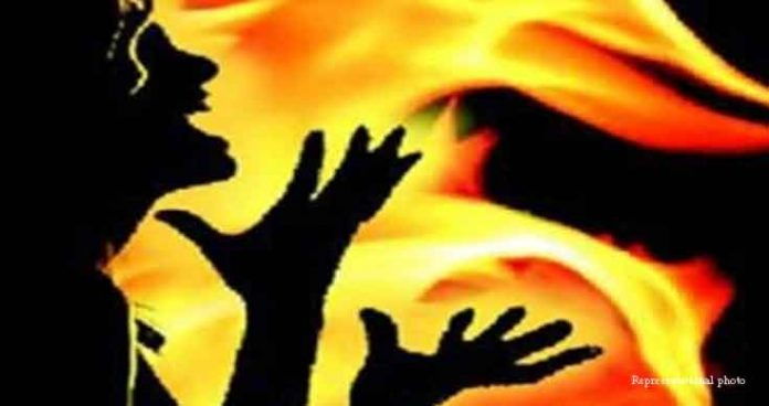 Hyderabad minor girl self-immolates after parents scold for using phone